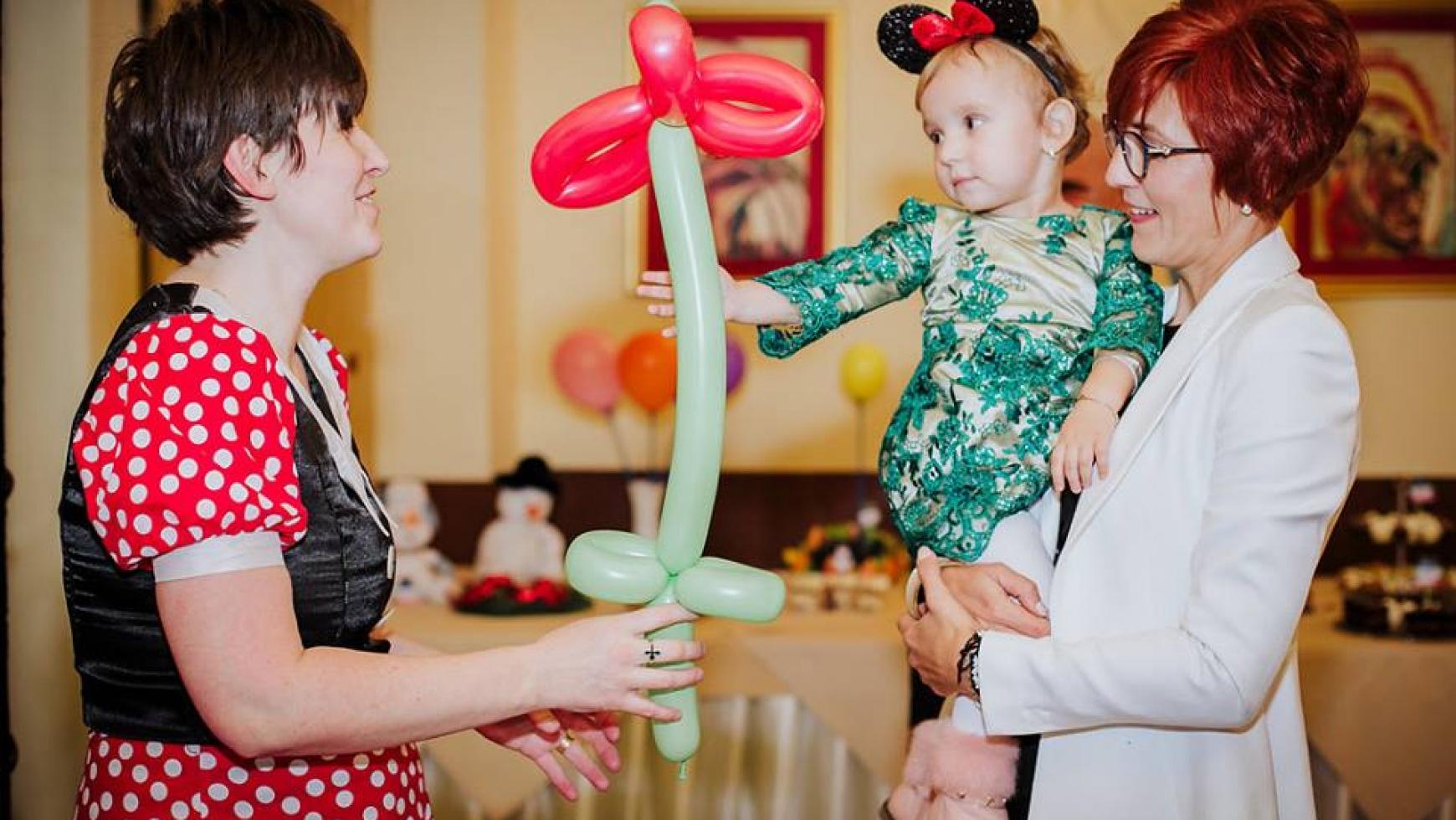 modelaj de baloane la botez