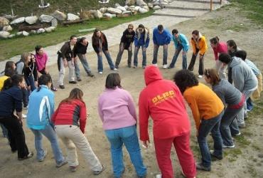 activitati de teambuilding, hipodromul,jocuri,jocuri tineri,jocuri energizante, jocuri de spart gheata,