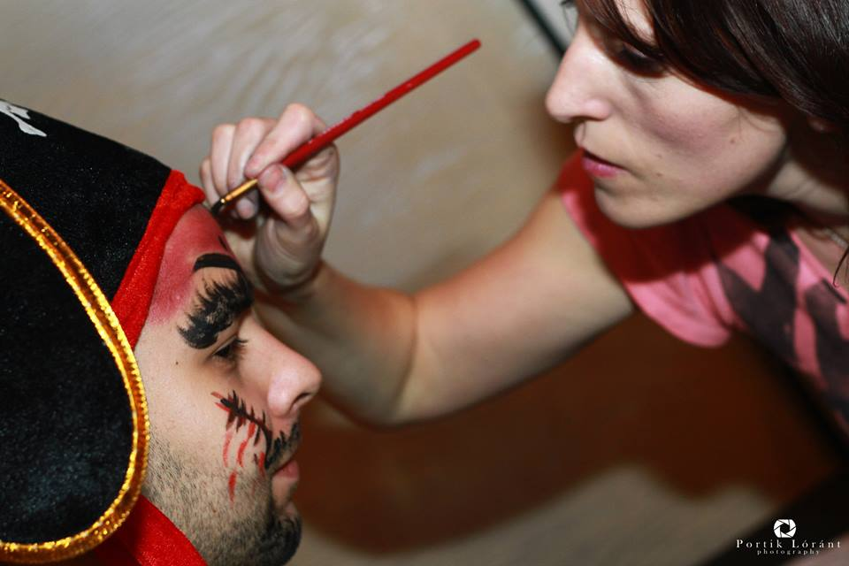 Face and body painting de Halloween