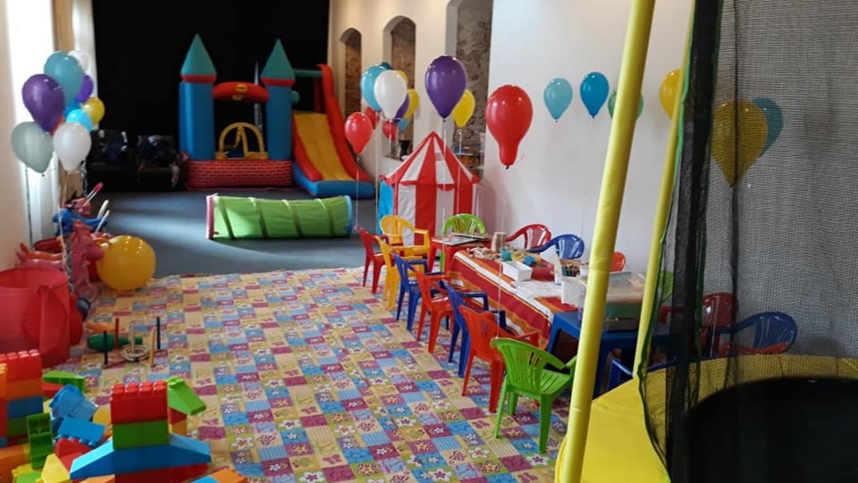 Top echipamente si accesorii  pentru petreceri si evenimente